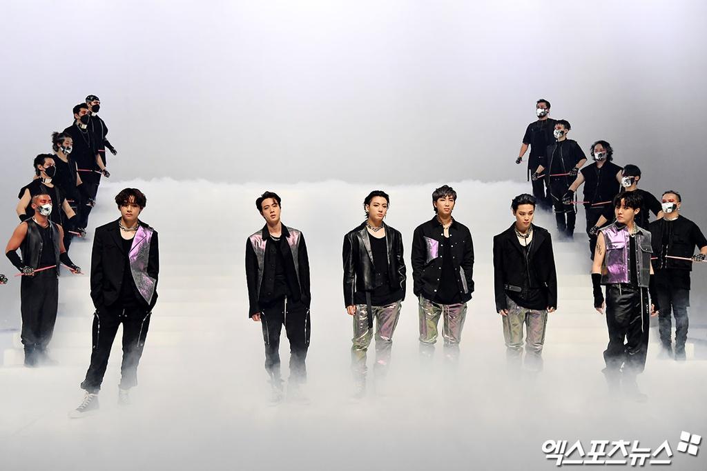 BTS lồng ghép video giới thiệu cho sân khấu tiếp theo với ca khúc ON